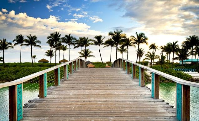 8_Ways_Save_Summer_Travel_PalmTree_Boardwalk
