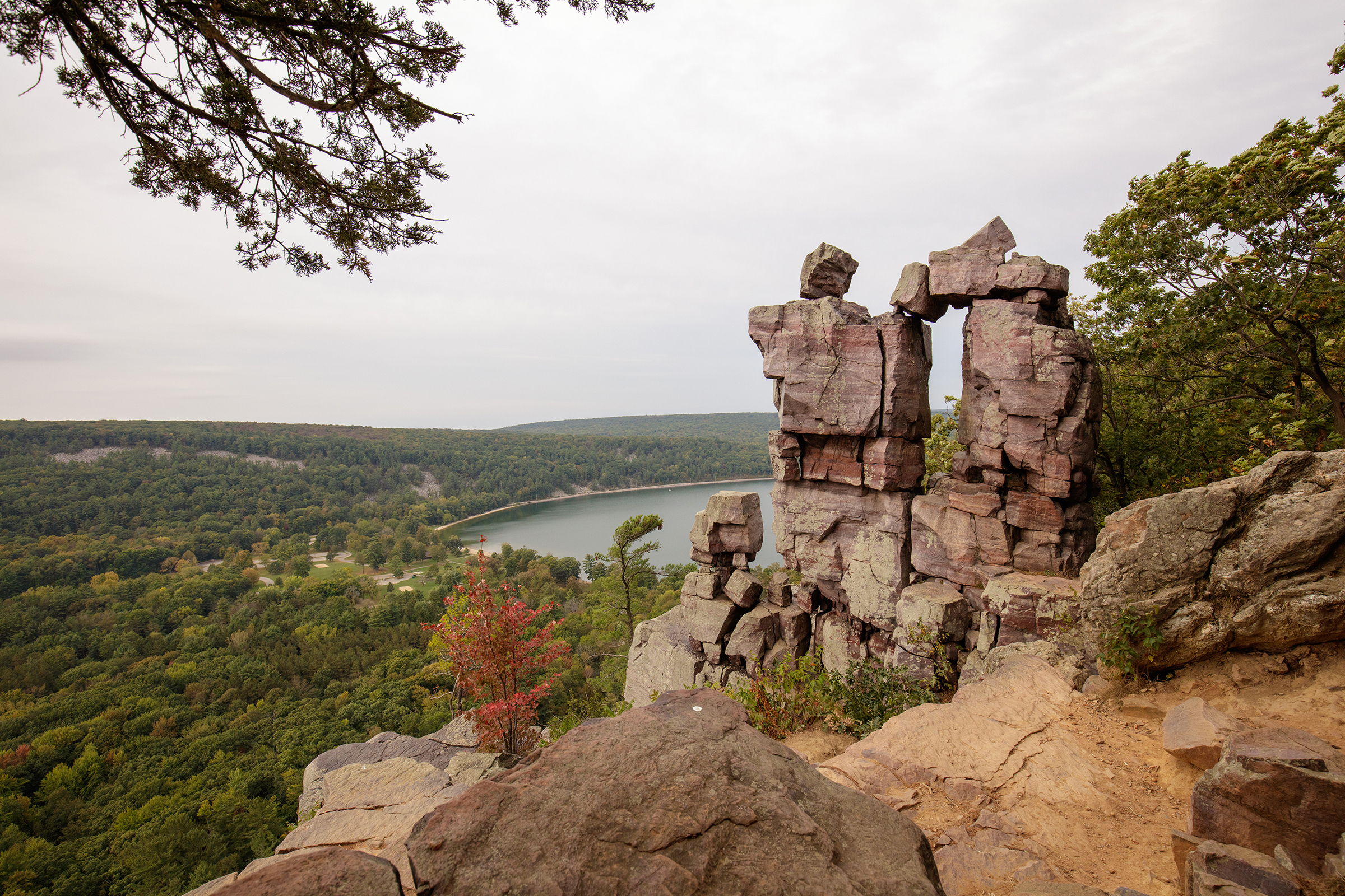 BARBAROO-WISCONSIN-Devils-Doorway-East-Bluff-Trail-at-Devils-Lake-State-Park.jpg?mtime=20181226231707#asset:104180