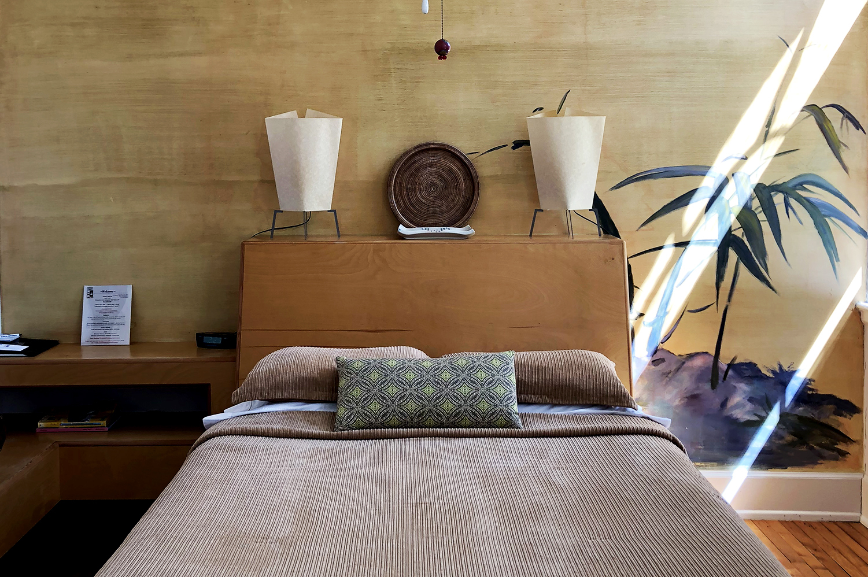 Front-Street-hotel-room.jpg?mtime=20180330101230#asset:101148