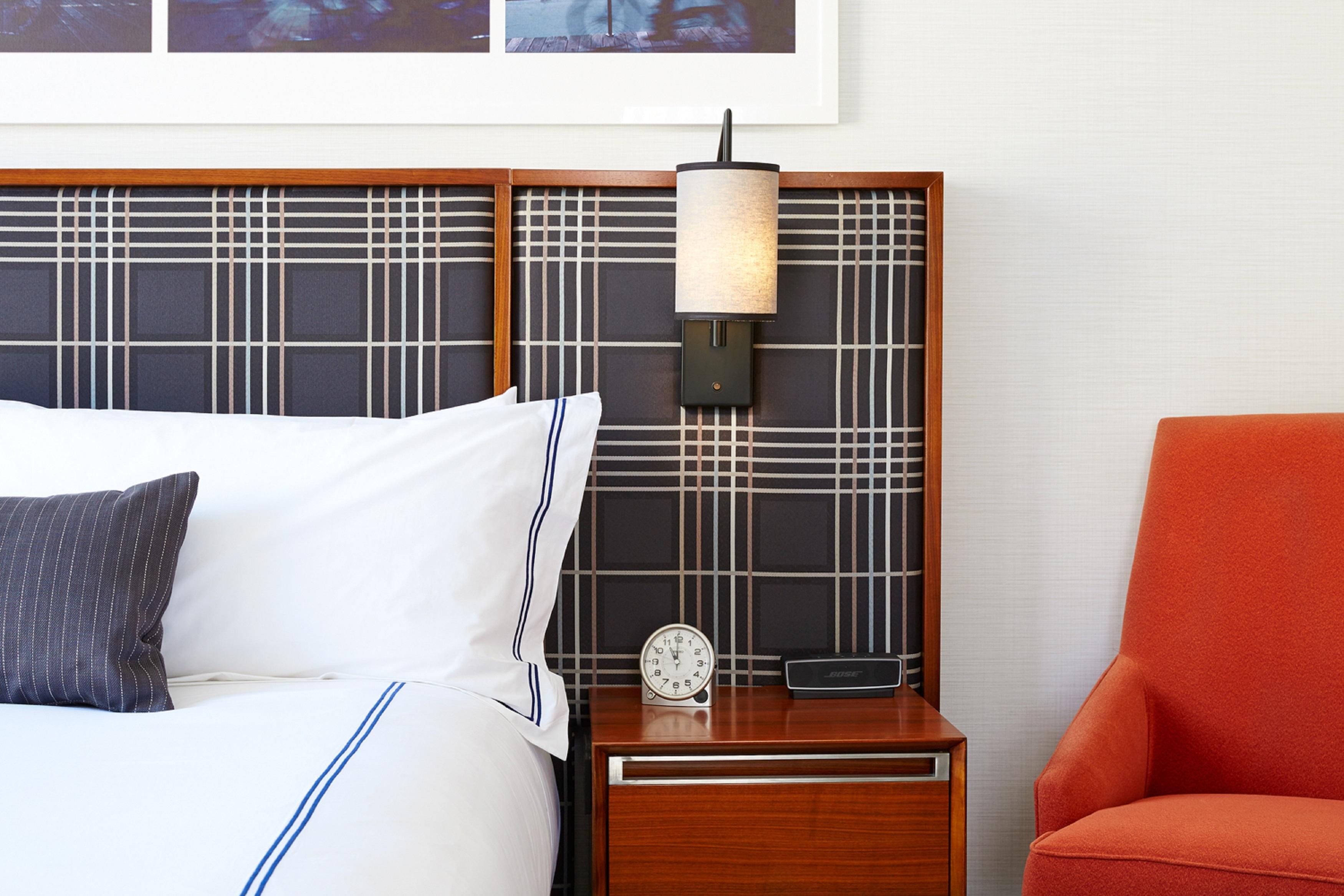 Godfrey-hotel-boston-Bedside.jpg?mtime=20180508171117#asset:101769