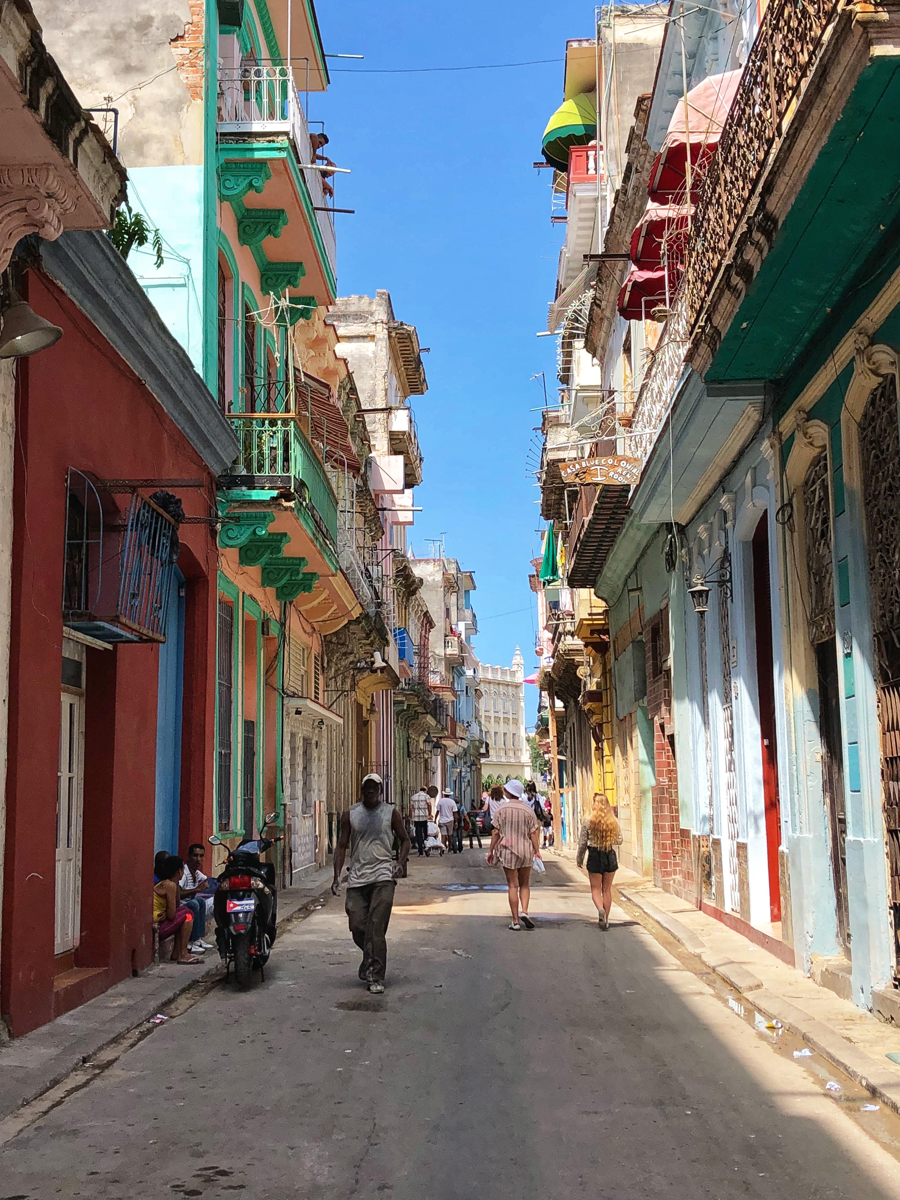 Habana-Vieja-street-Cuba.JPG?mtime=20180404134130#asset:101215