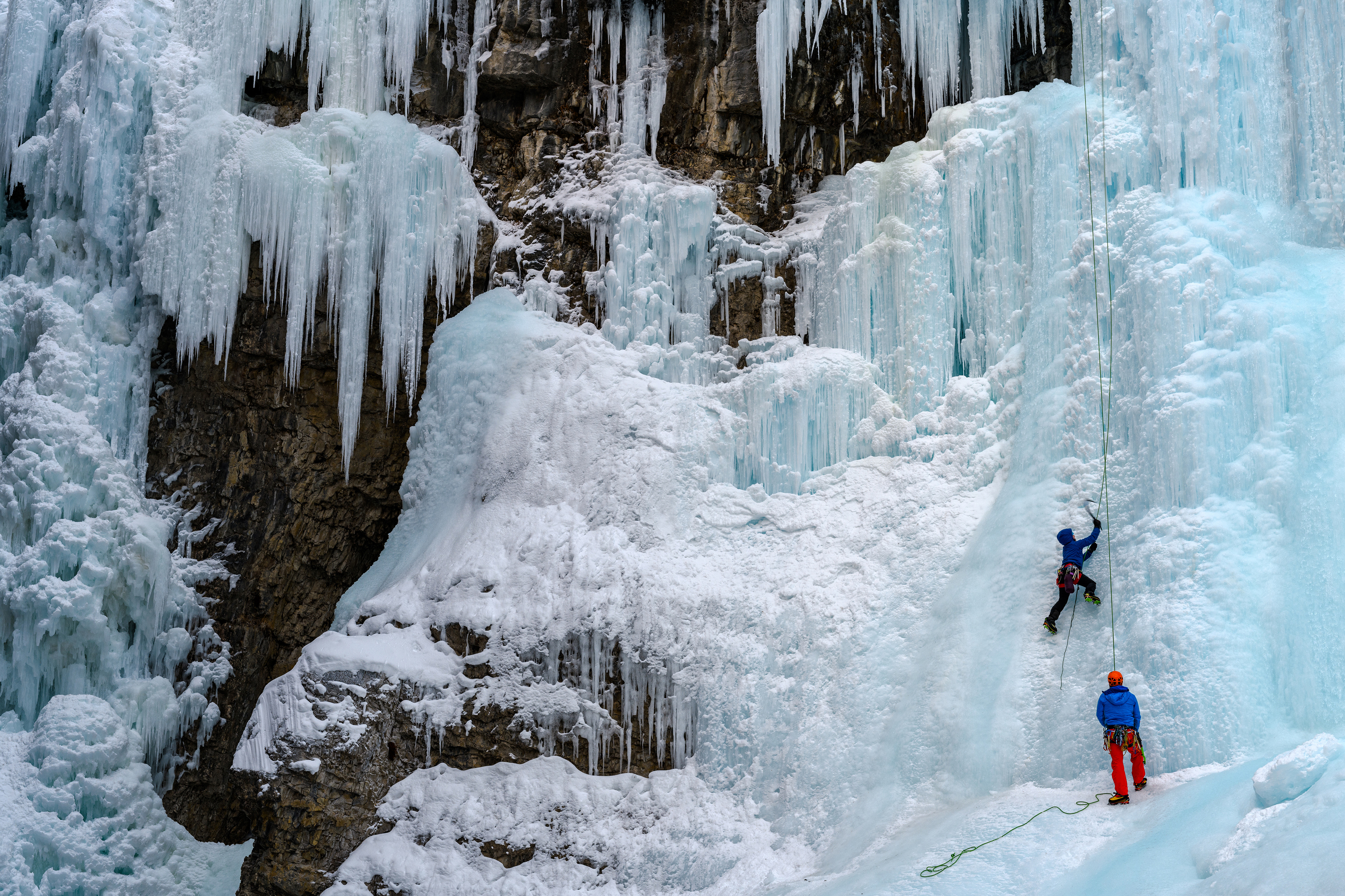 Ice-Climbing-Banff-dreamstime_l_109093722.jpg?mtime=20180709094806#asset:102403