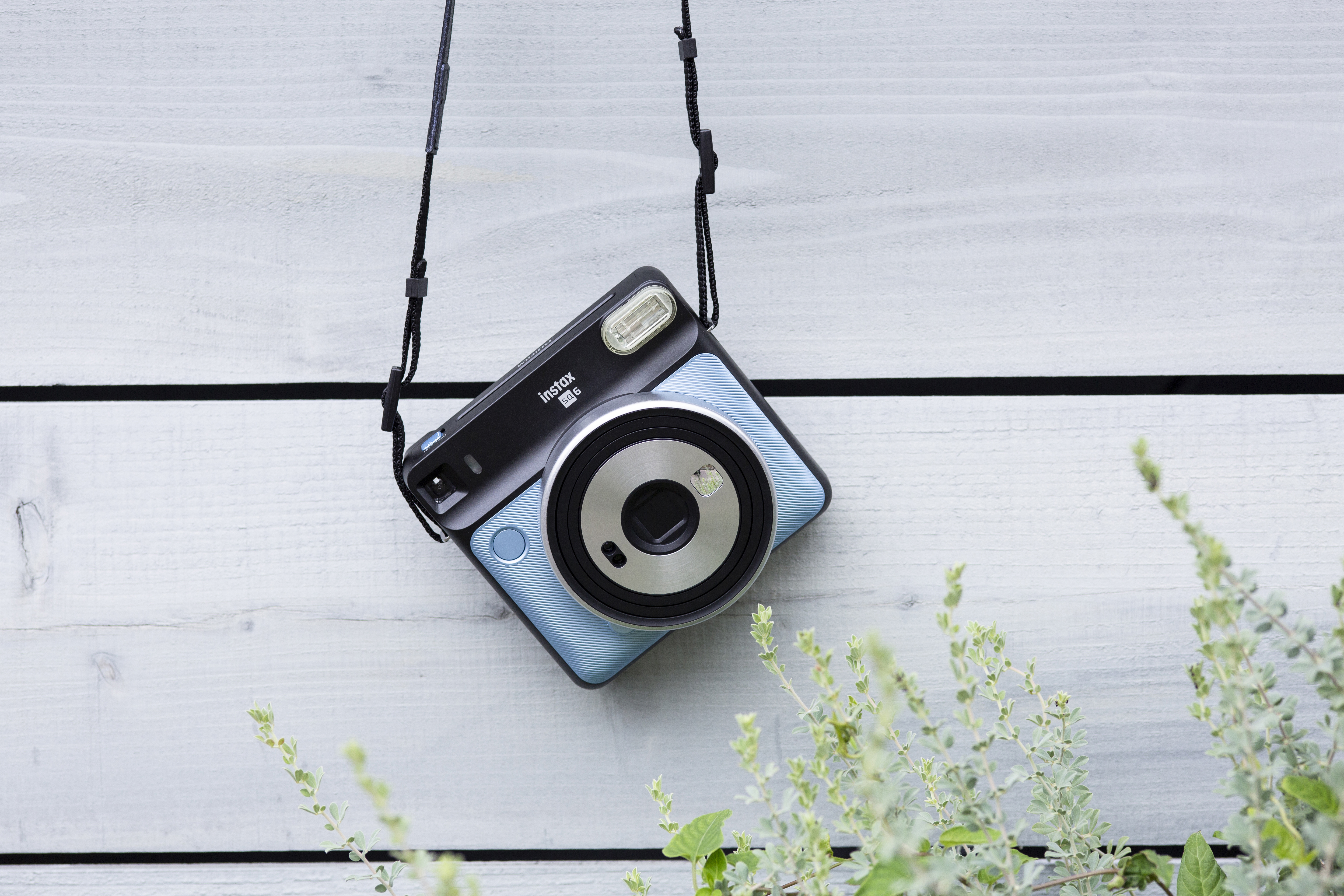 Instax-square-camera-teen.jpg?mtime=20181130081854#asset:103910