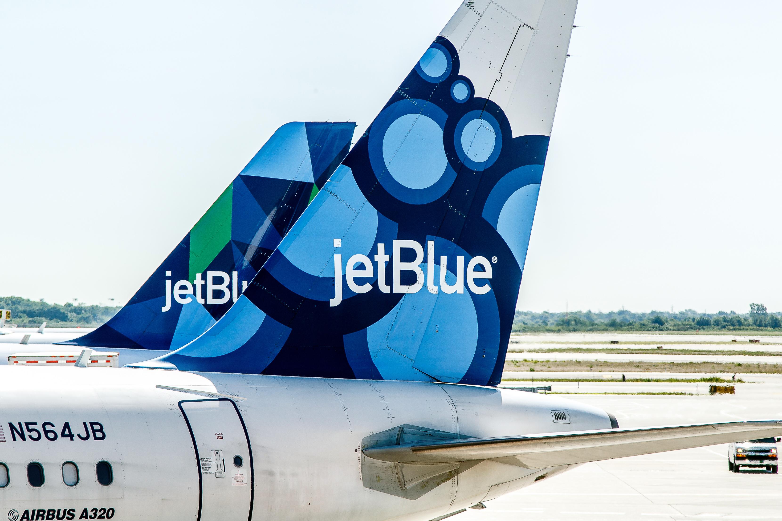 JetBlue-plane-tail.jpg?mtime=20180710115525#asset:102433