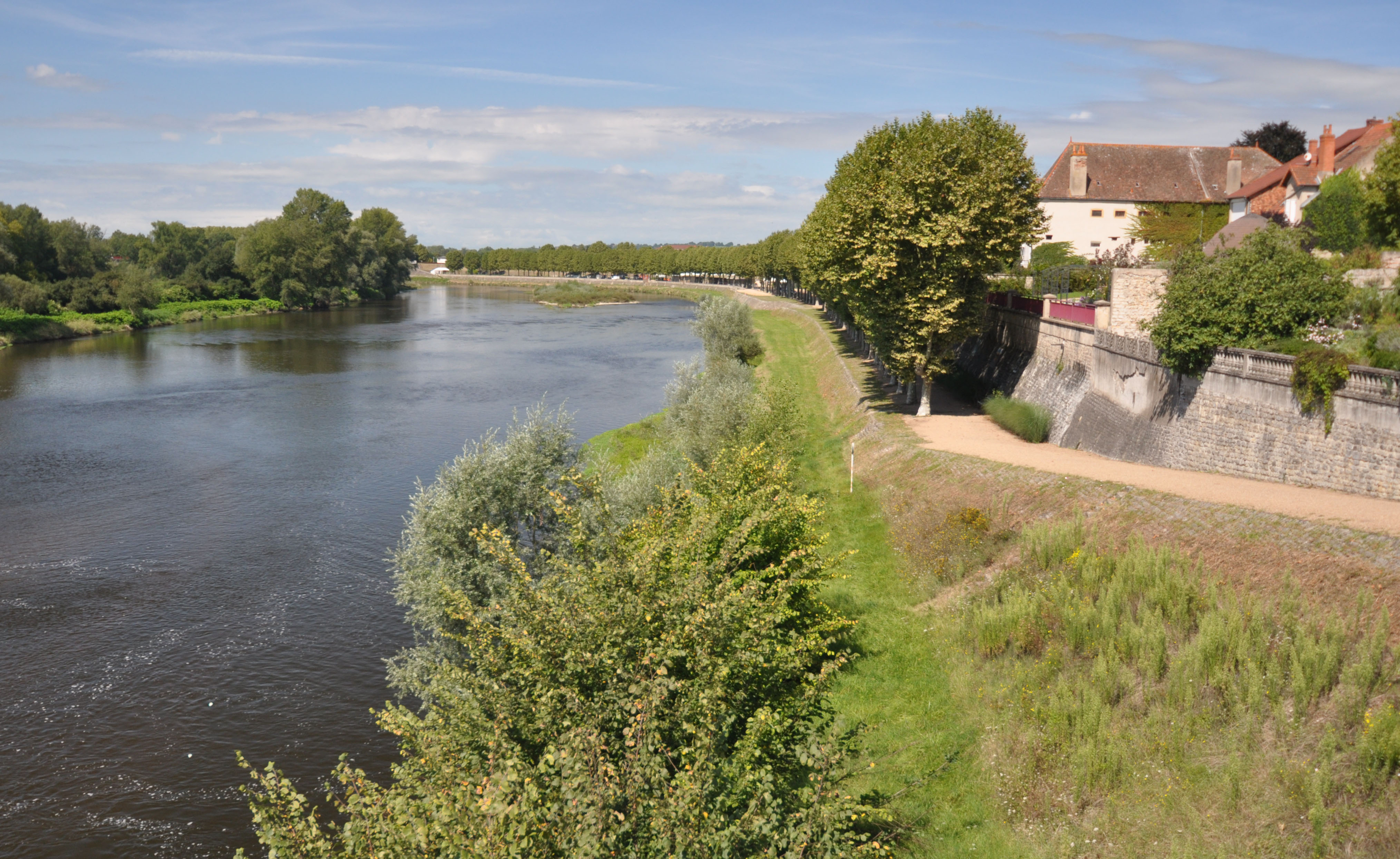 Loire-Valley-Bike-Path.jpg?mtime=20190107225535#asset:104385