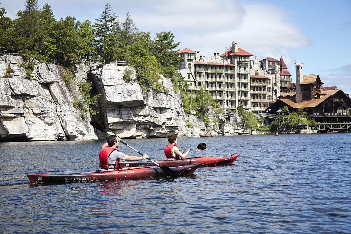 Mohonk-Kayaking-family-resort ▷ 6 resorts todo incluido para familias que amamos