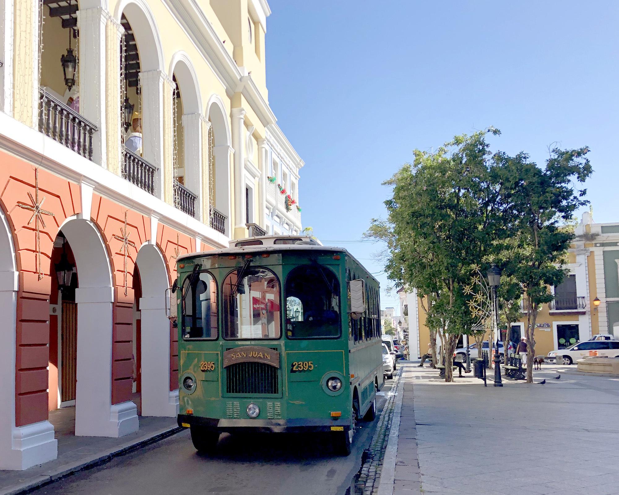 Puerto-Rico-Trolley-Old-San-Juan ▷ Acabo de volver de: San Juan, Puerto Rico