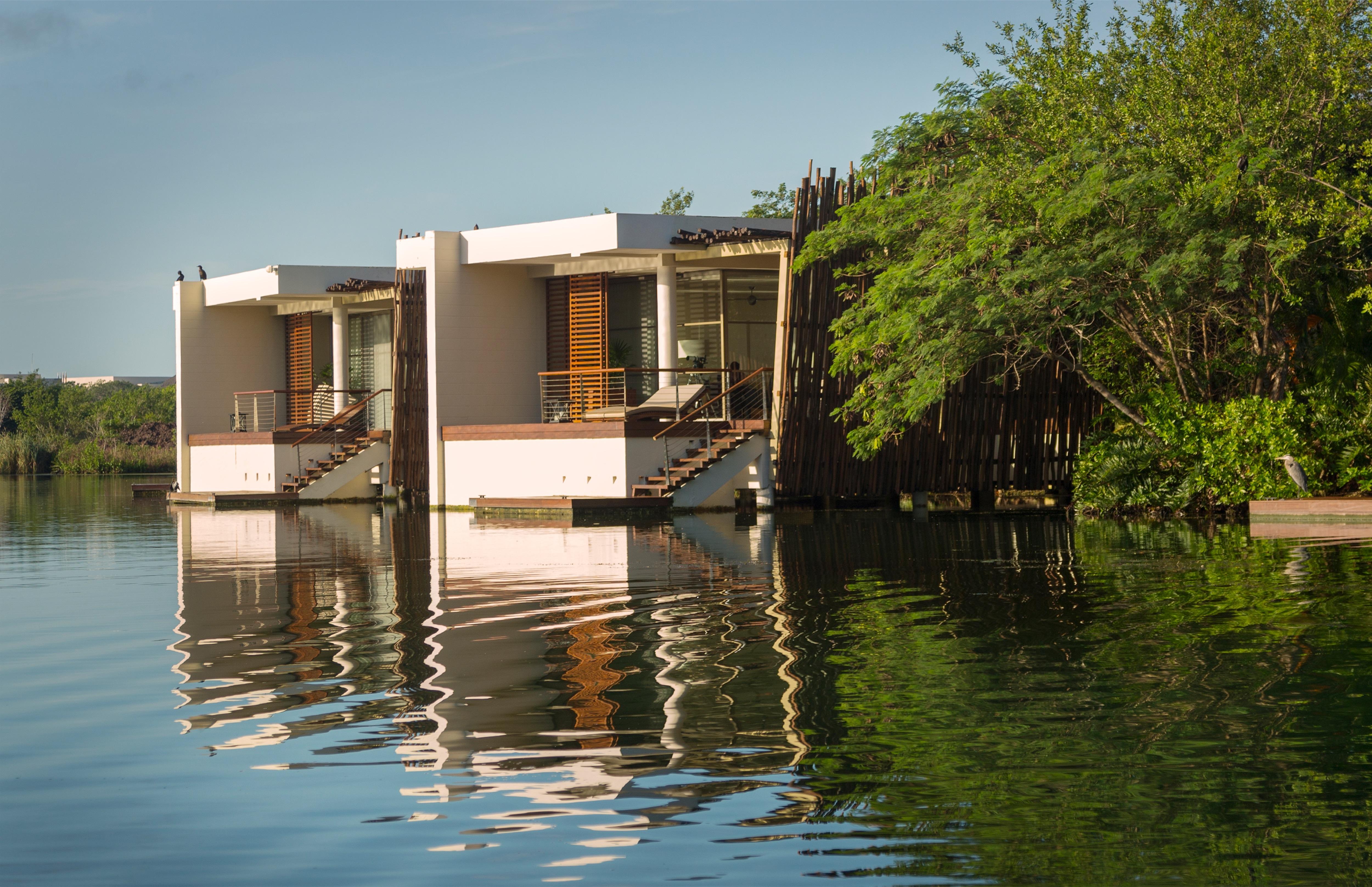 Rosewood_Mayakoba_0125-Deluxe-Over-Water-Suite.jpg?mtime=20191114161854#asset:107333