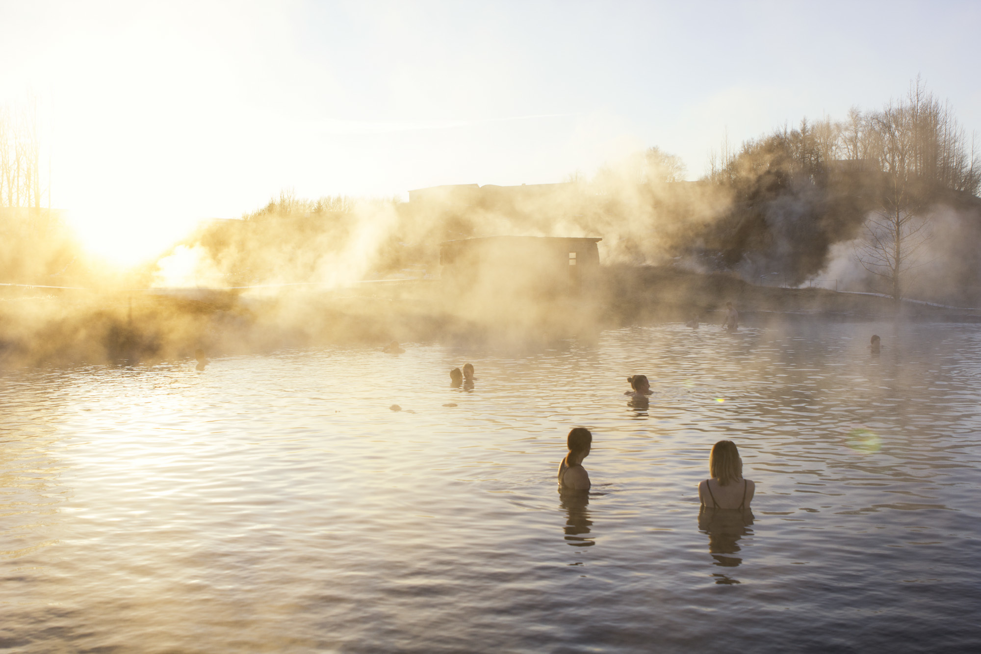 Secret-Lagoon-Iceland-thermal-spa ▷ De Blue Lagoon a Desert Hot Springs: 8 spas termales asequibles en todo el mundo