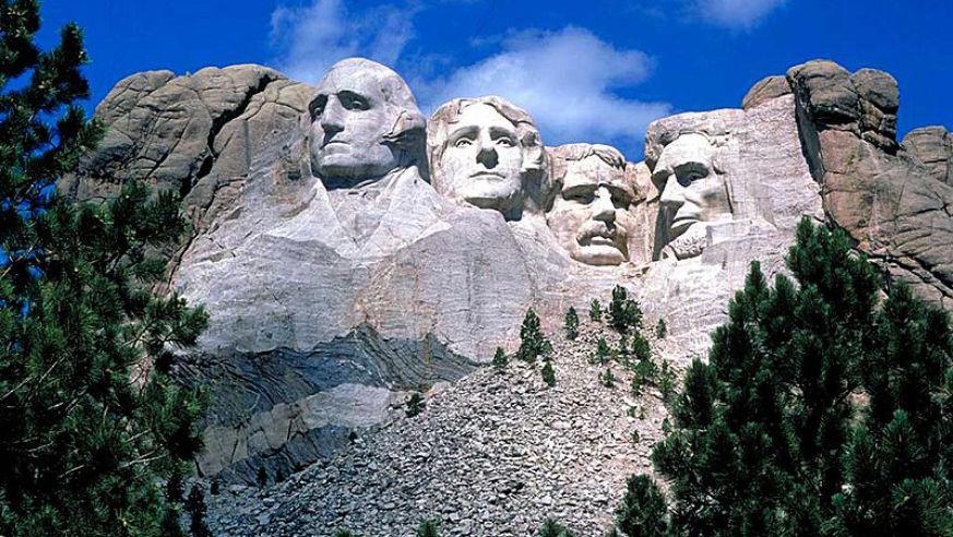 16 Awe-Inspiring American Monuments