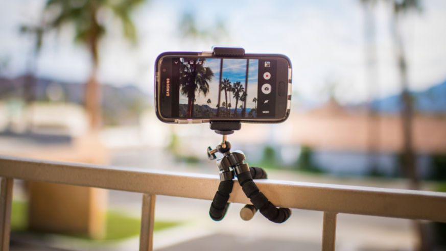 These Smartphone Accessories Will Change the Way You Travel
