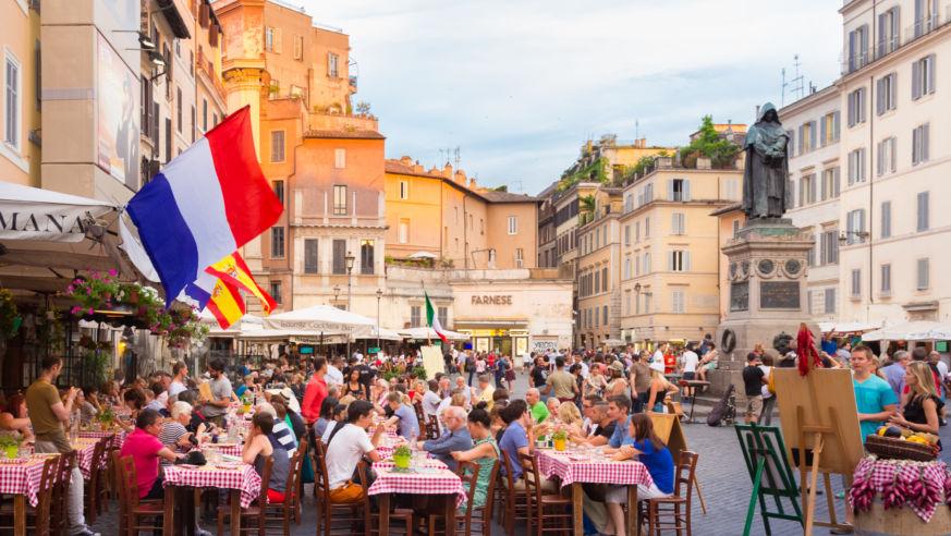 8 Ways Travelers Waste Money