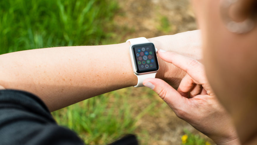 10 of the Coolest (and Weirdest!) New Travel Apps for the Apple Watch