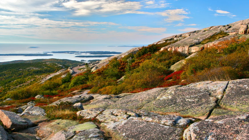 10 Car-Free Fall Foliage Trips of the Northeast