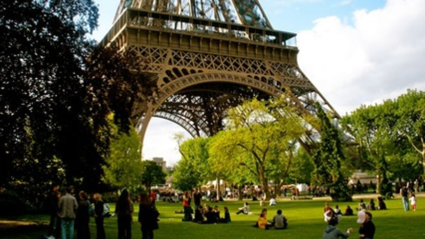 paris top 5 free things to do in november budget travel. Black Bedroom Furniture Sets. Home Design Ideas