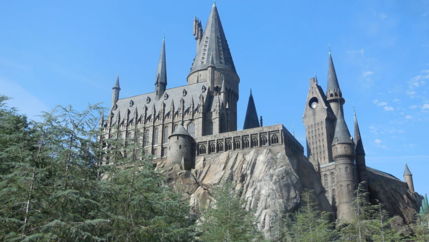 New Airline Will Fly You to Hogwarts, Narnia, and Other Out-of-This-World Destinations