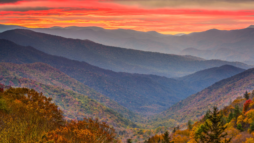 Smoky Mountains Fall Colors Best Time 2020.You Will Love These Fall Road Trips Across Tennessee