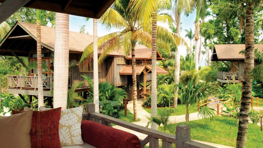 Honeymoon Paradise for Less (You MUST See the Perks!)