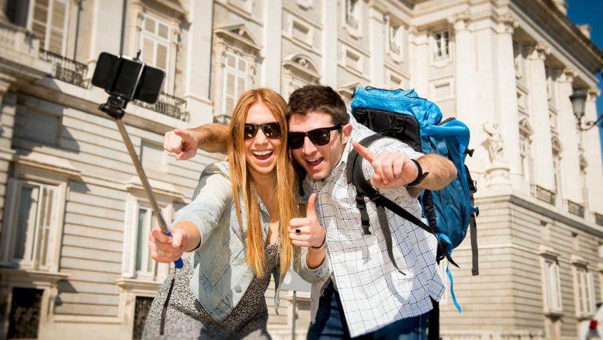 10 Stupid Things Americans Do Overseas