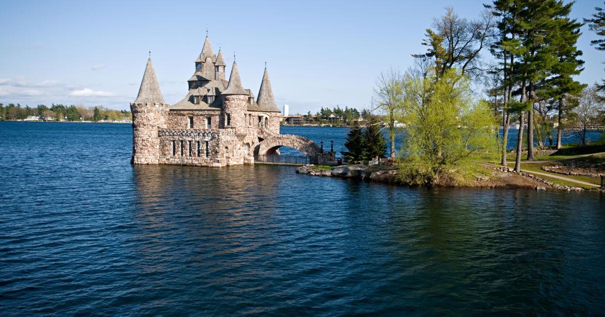 12 Awe-Inspiring American Castles! | Budget Travel
