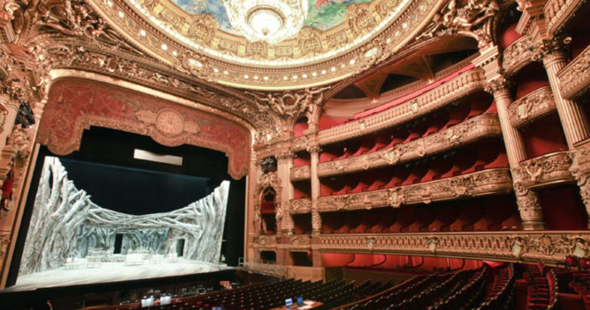 how long is phantom of the opera play