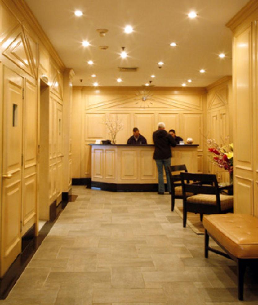 The Cosmopolitan Hotel, lobby entrance