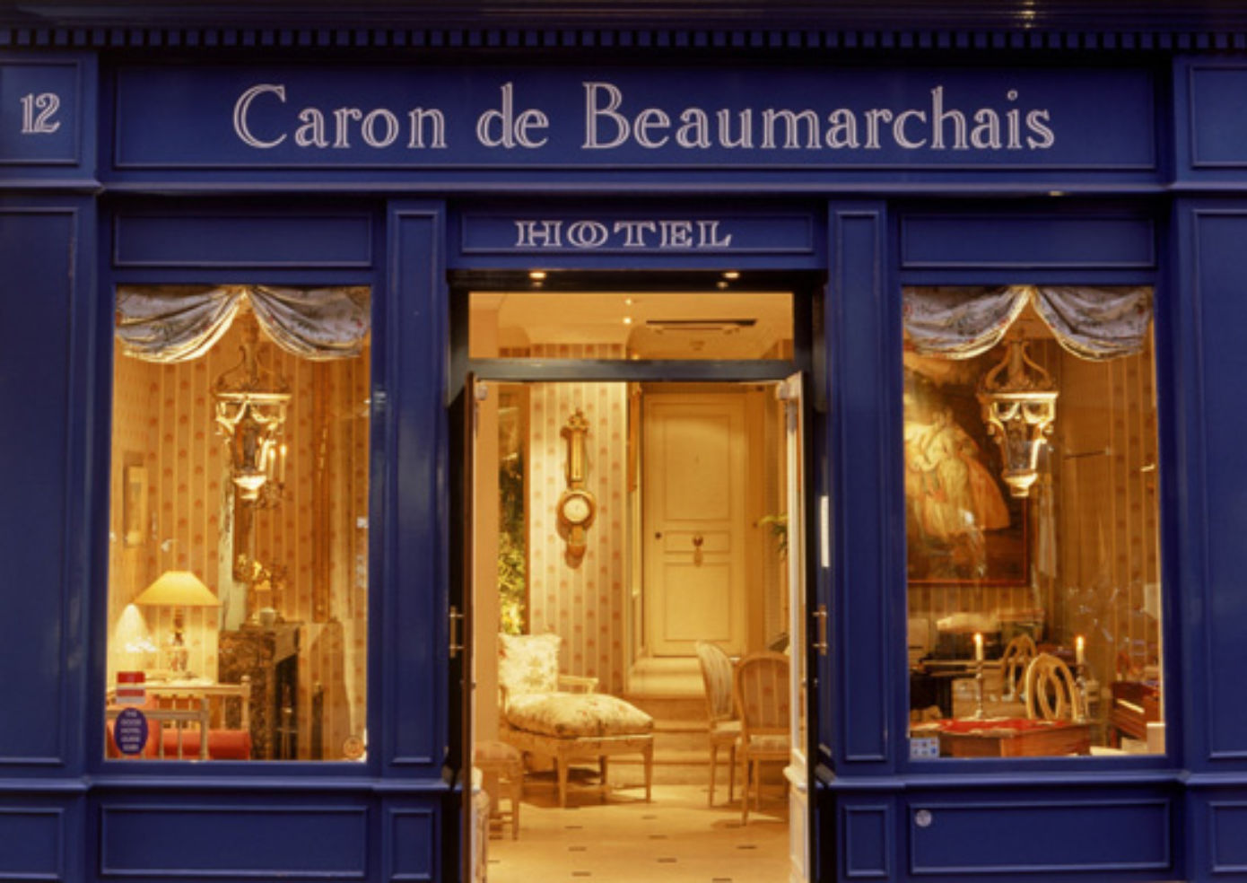 hotel caron de beaumarchais photos budget travel. Black Bedroom Furniture Sets. Home Design Ideas