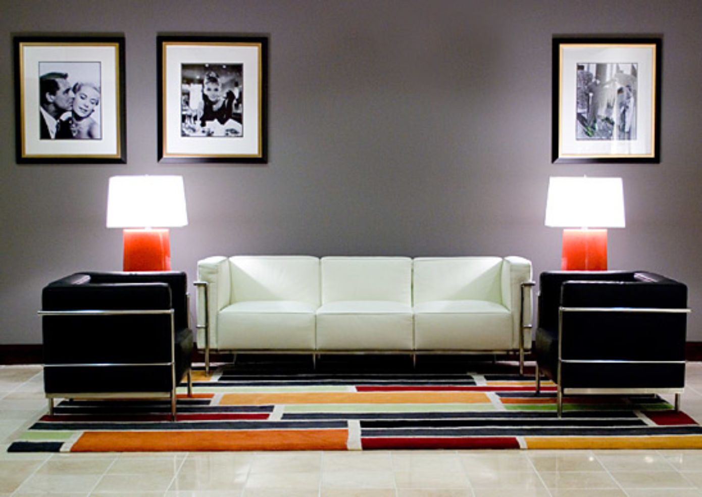 The lobby at Hollywood Heights Hotel.