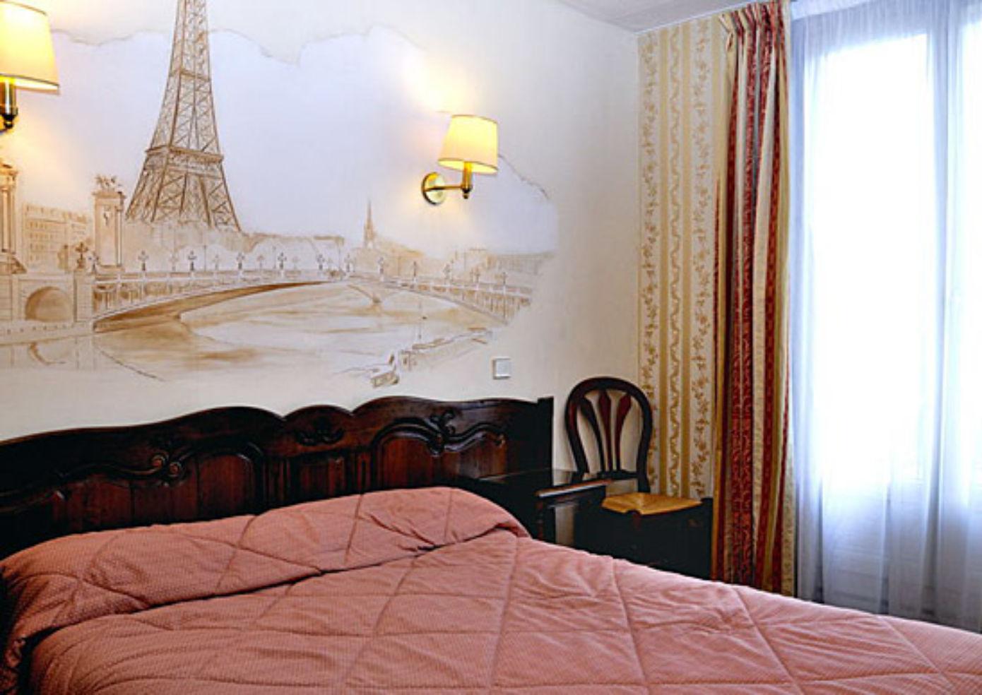 A guest room at the Familia Hôtel.
