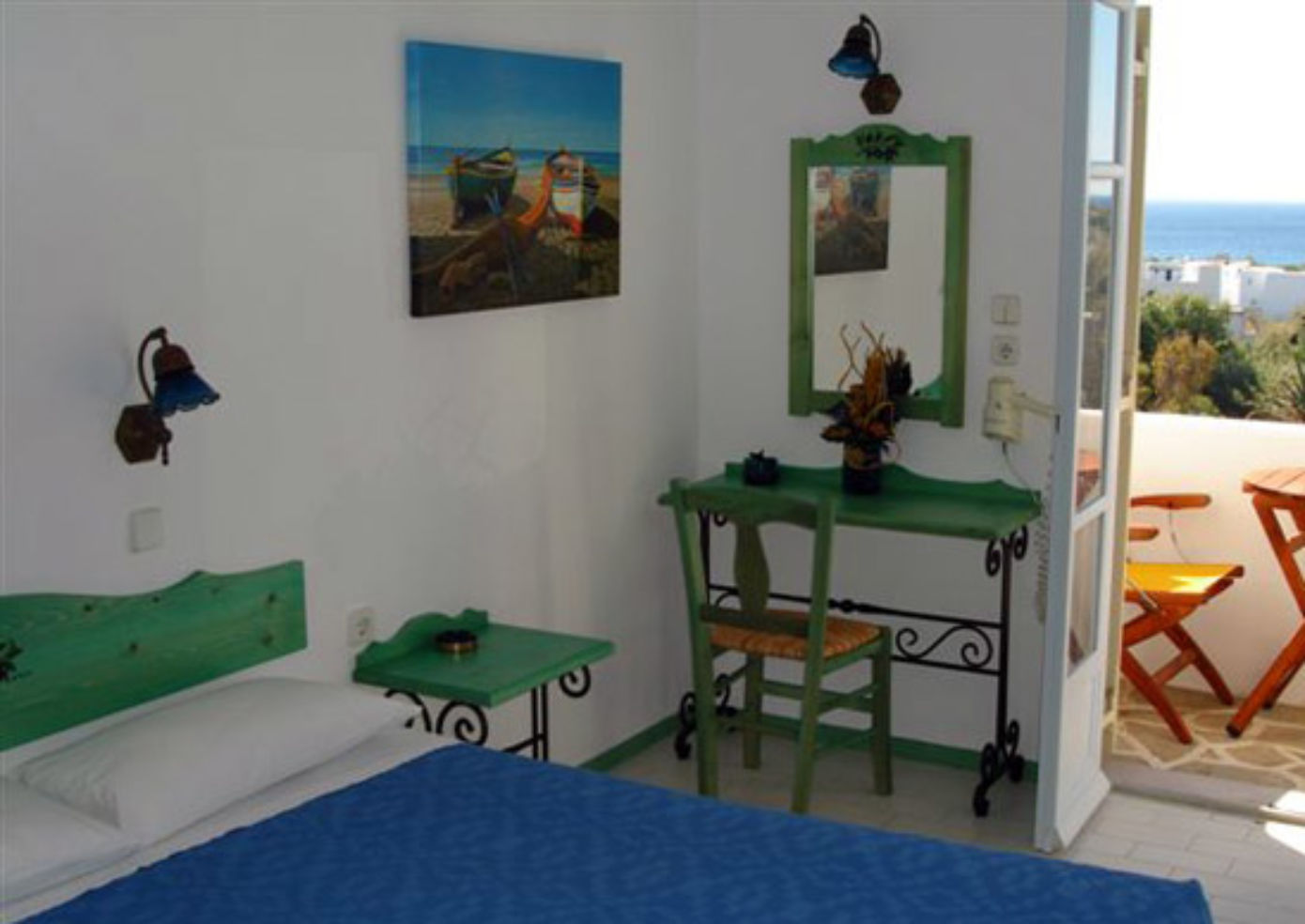 A guest room at Albatross Bungalows.