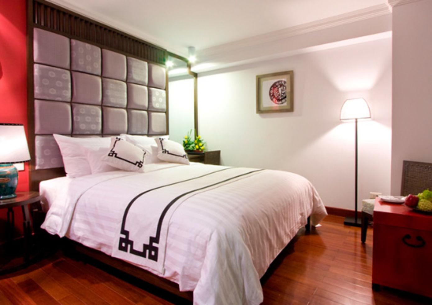 A double room at Maison d'Hanoi Hanova Hotel