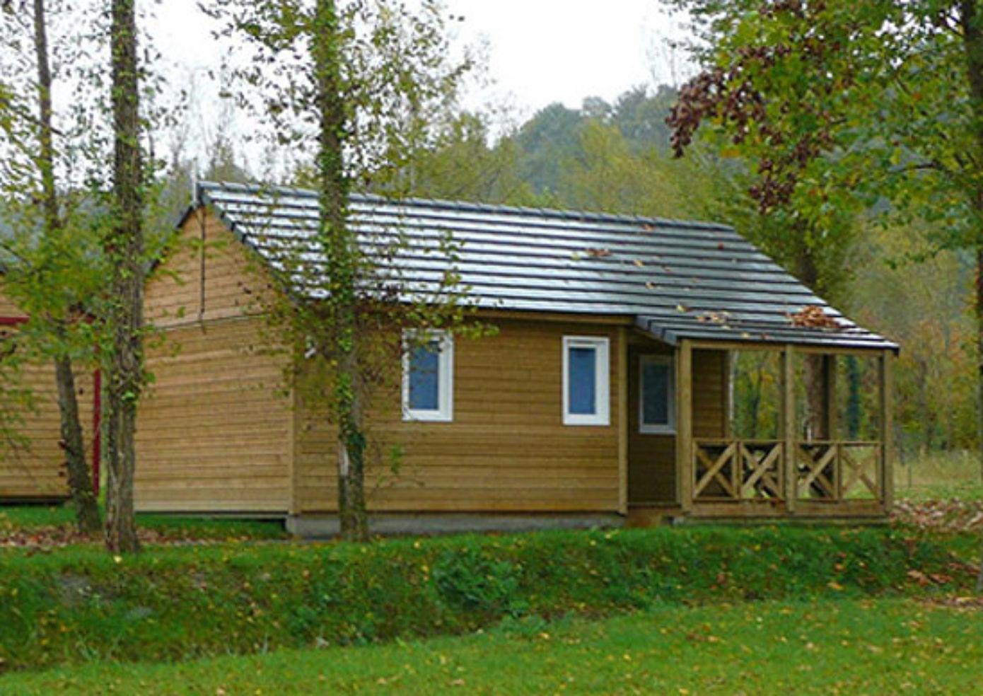 A cottage at Camping de Bordeaux Lac in France