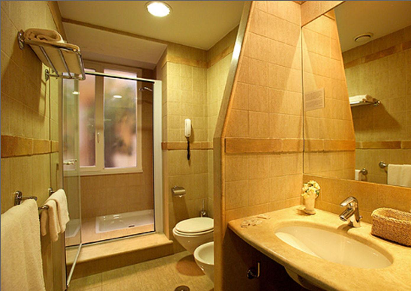 Bathroom at Sunset Roma