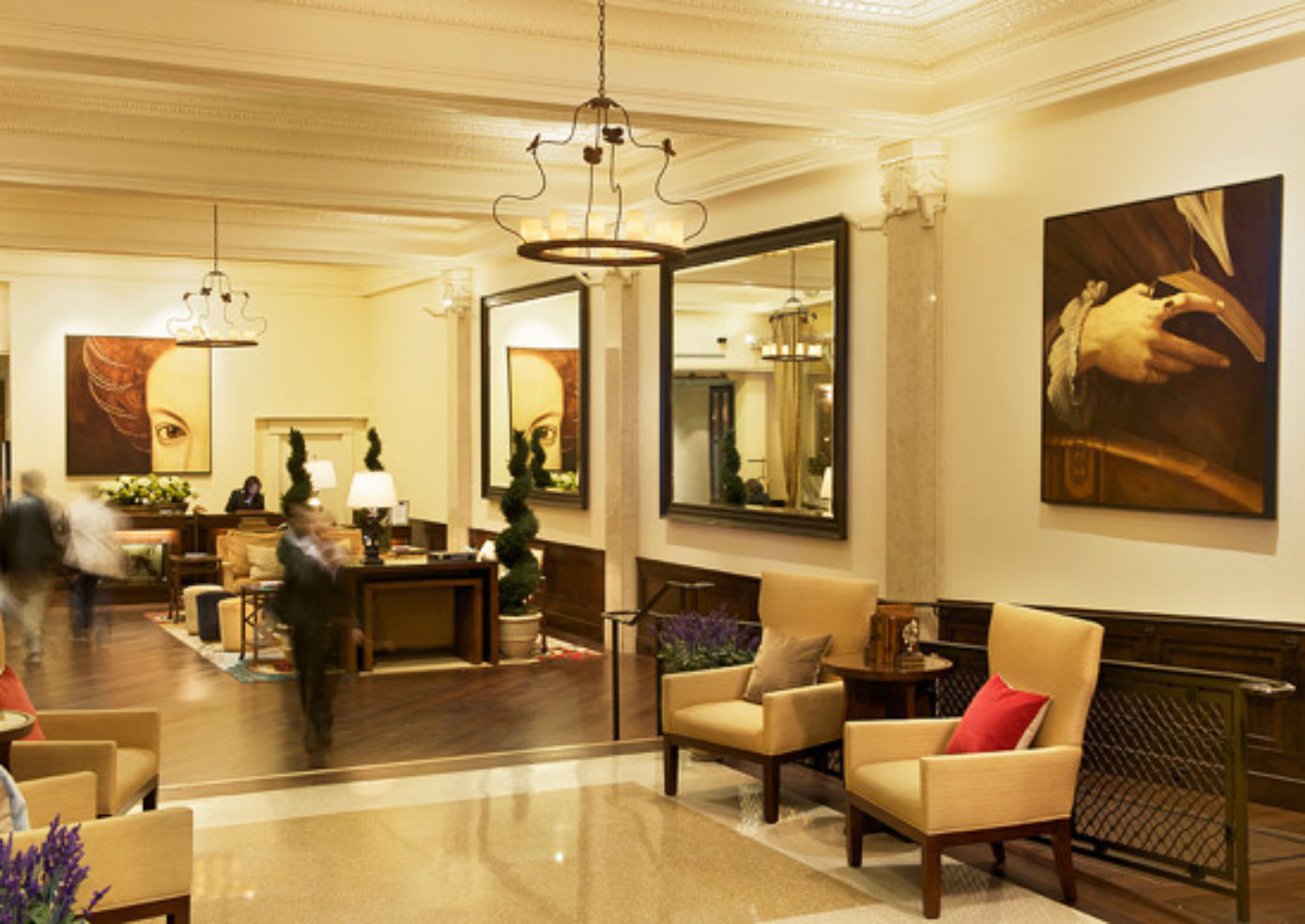 The lobby at Villa Florence
