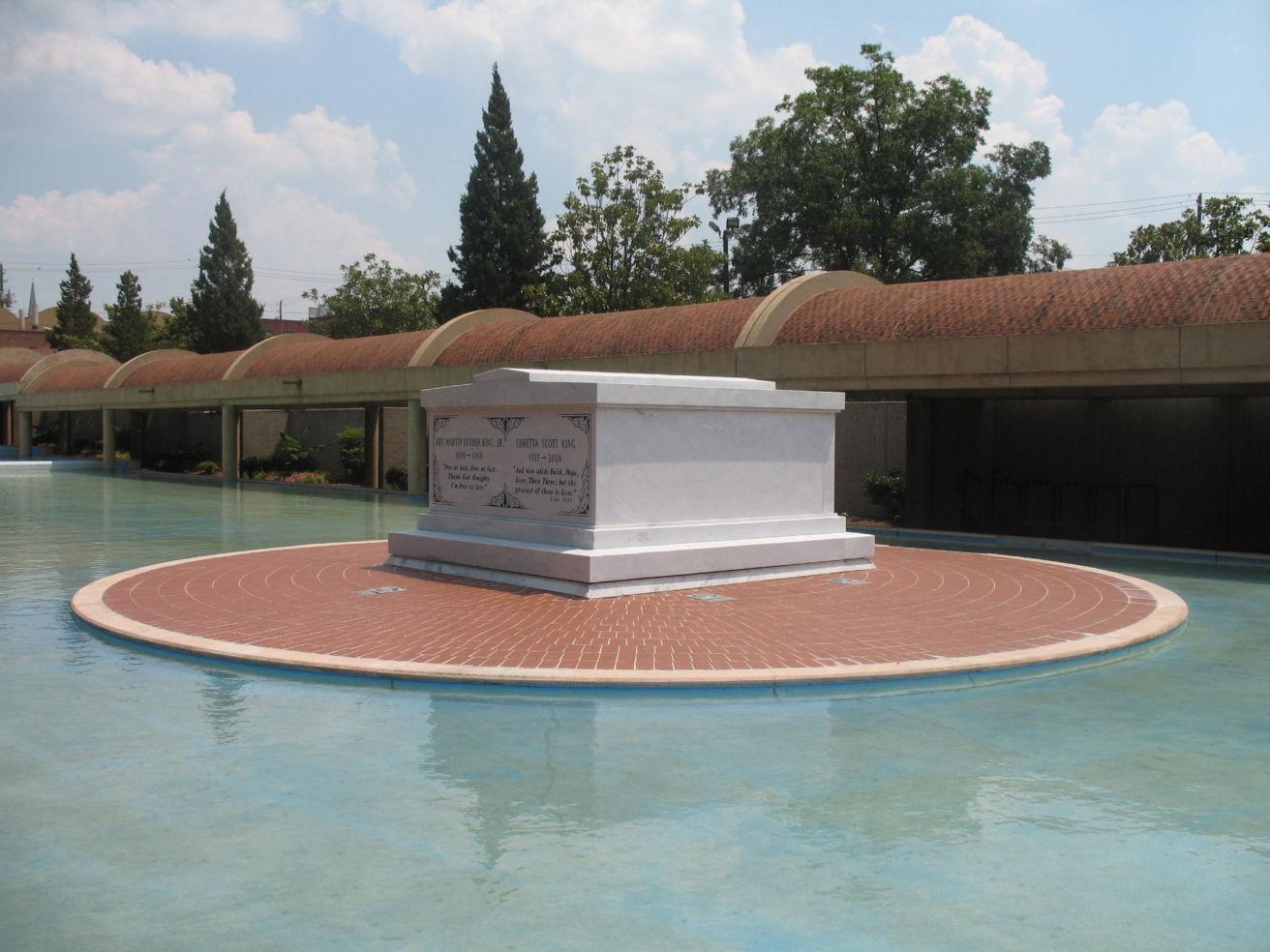 MLK tomb