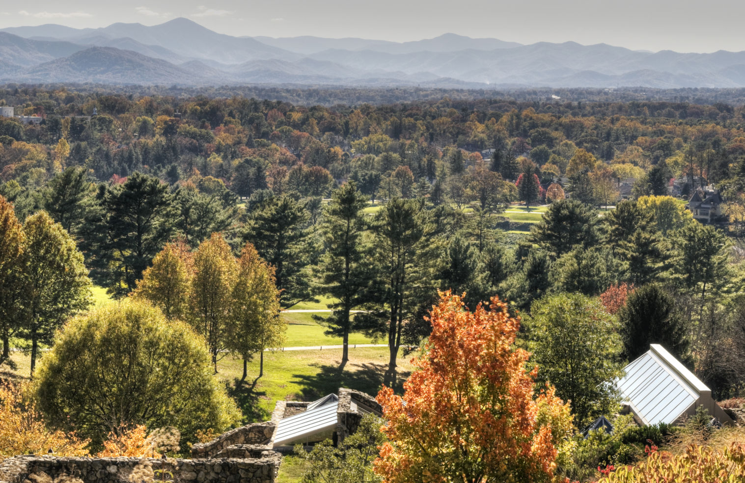 American_Drives_Blue-Ridge-Parkway_Asheville_autumn