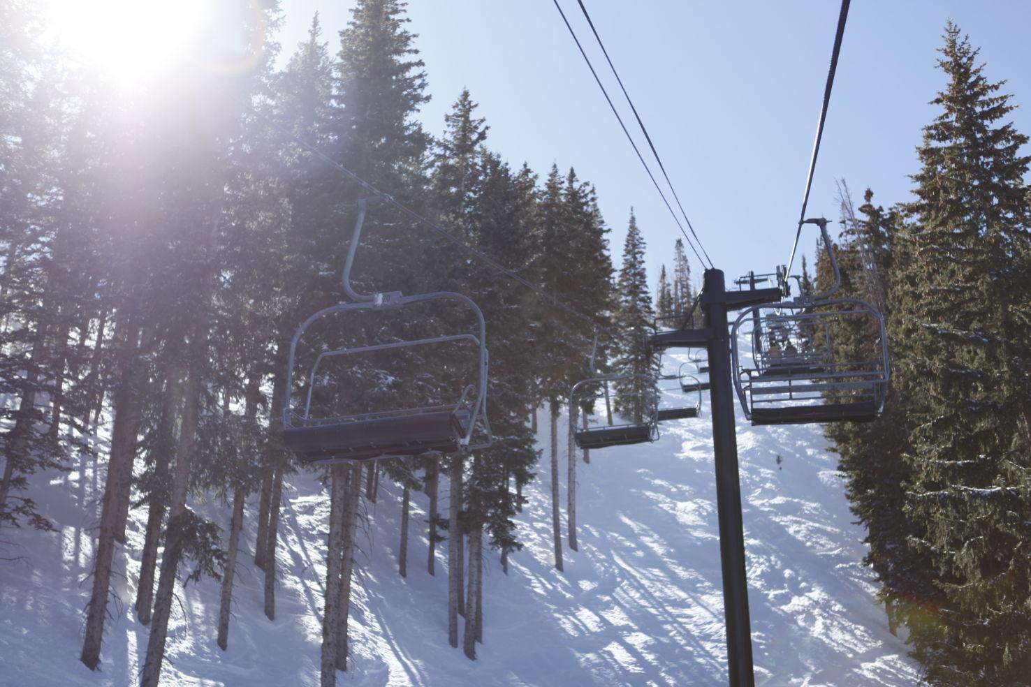 FamilySkiing_Utah_Park-City_chairlift