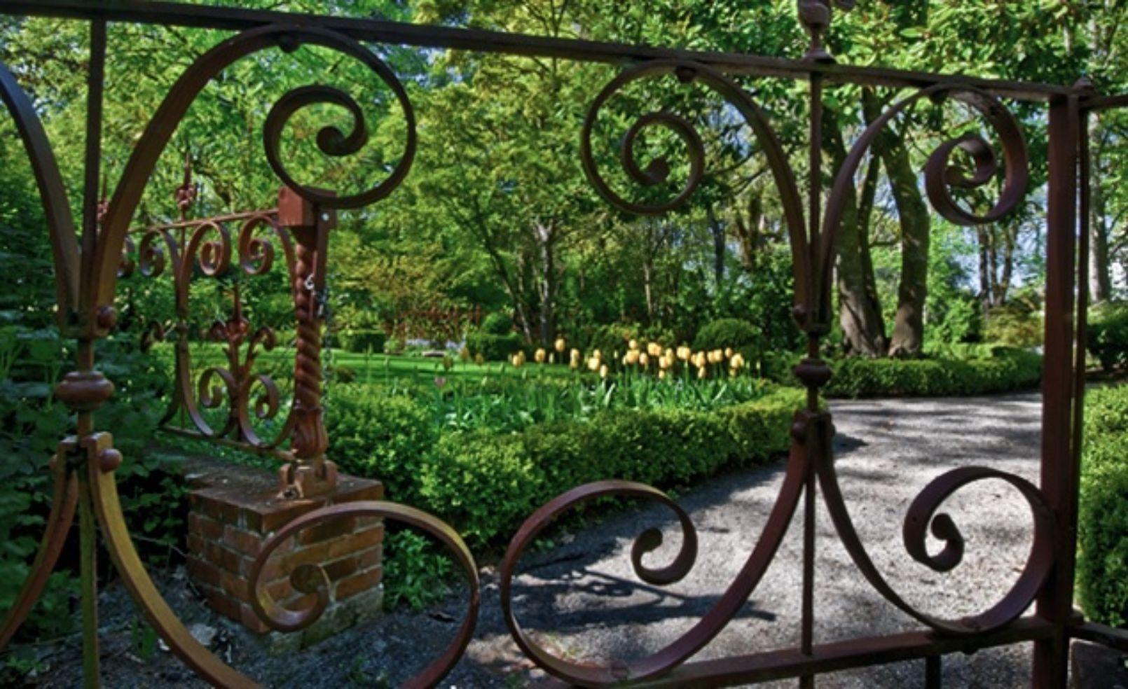 Deepwood Estate Garden