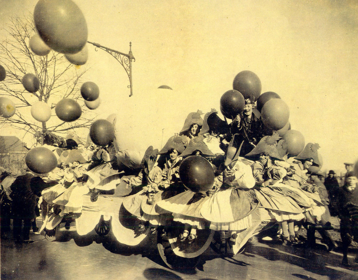 Balloonatics Float 1926. Inspired creation of character balloons