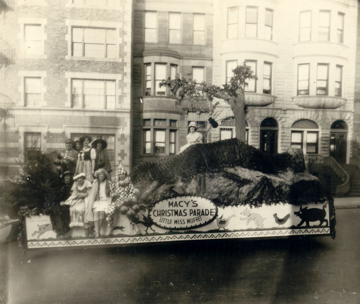 Miss Muffett float 1924