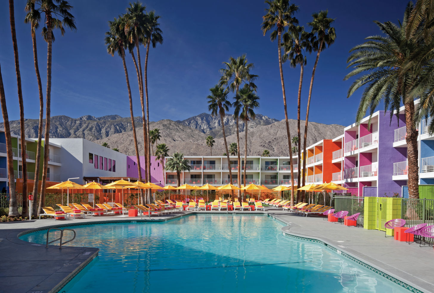Palm-Springs_hotels_The-Saguaro_pool