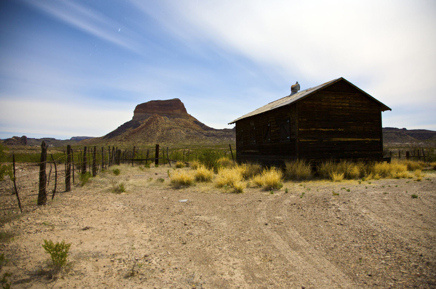 Road-Trip_Big-Bend_abandoned-farm
