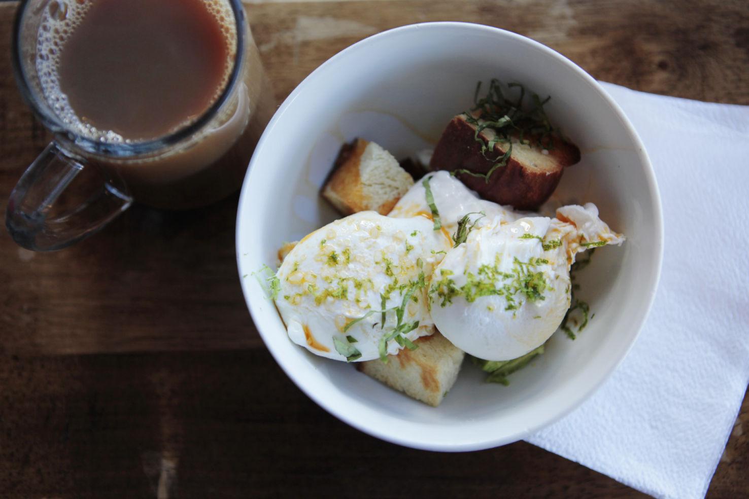 Road-Trip_Hudson-Valley_NY_Hudson_breakfast