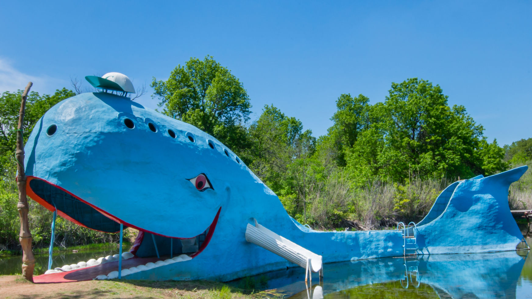 These Crazy Roadside Attractions Are Actually Worth Budget Travel
