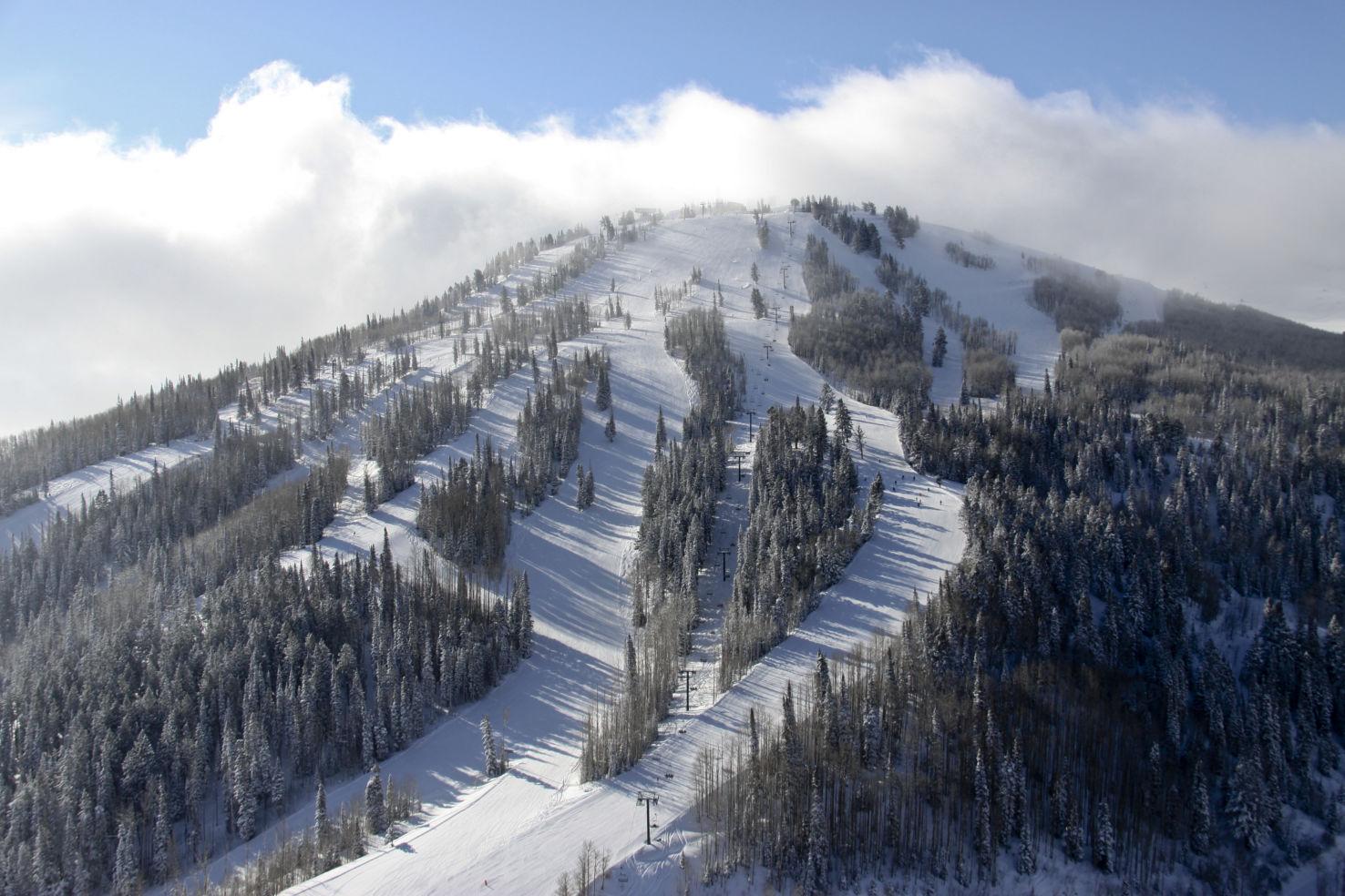 Ski-Resorts_Deer-Valley_mountain