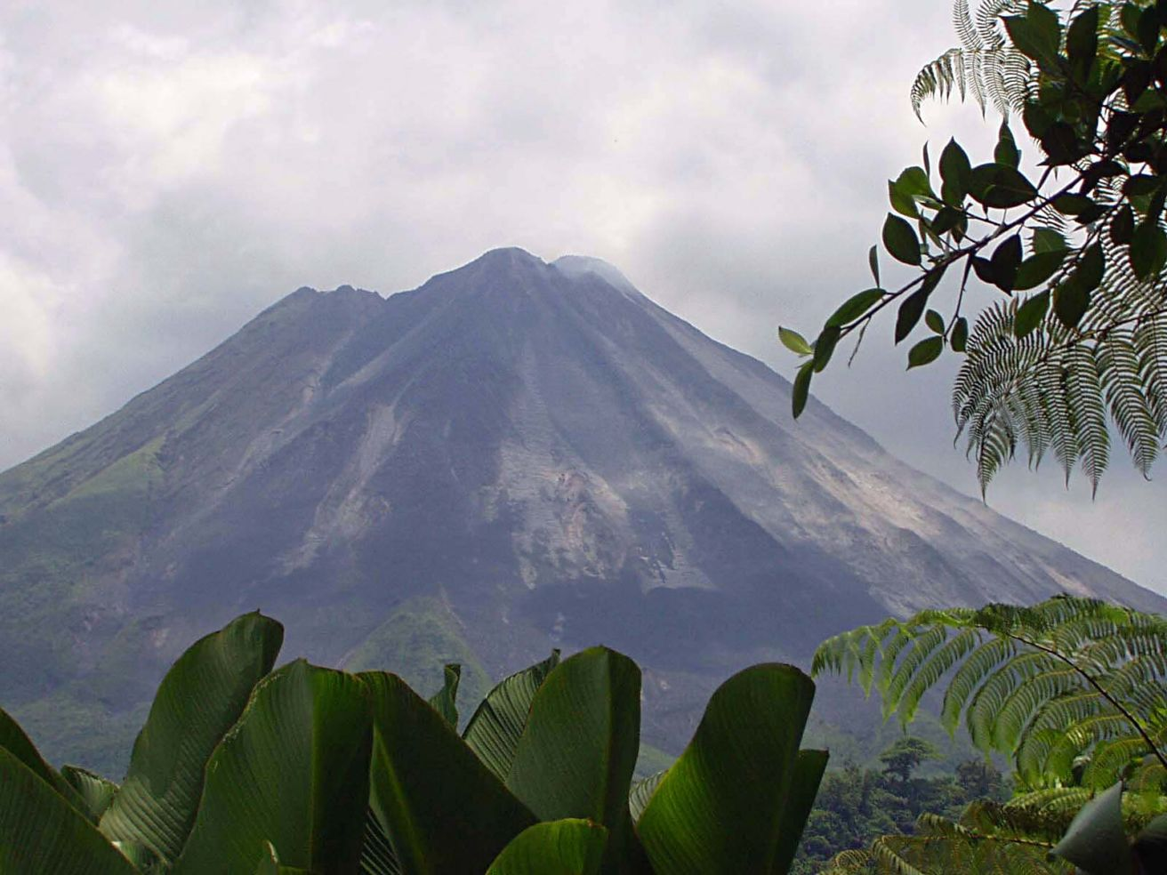 Smoking arenal volcano