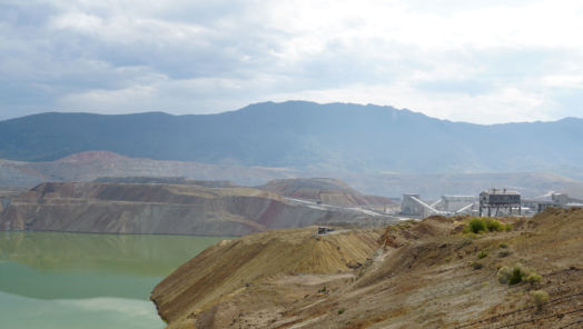 Weird American pit stops: why you need to see this toxic open-pit mine tumbnail