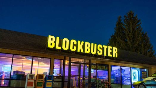 The world's last Blockbuster is available to rent on Airbnb tumbnail