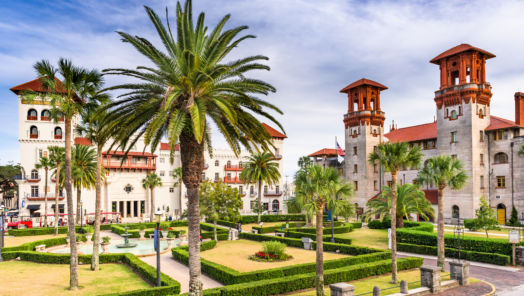 7 College Campuses That Are Actually Great to Visit tumbnail