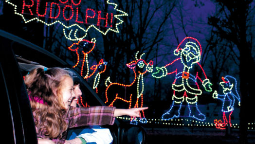 Cruise Along These Holiday Lights Drive-Throughs Across The U.S. tumbnail